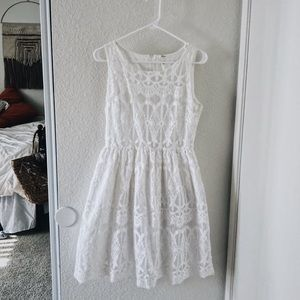💭 White Lace Sleeveless A-Line Dress 💭